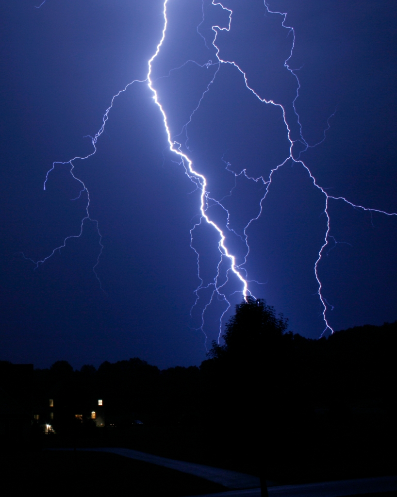 Storm Causes Massive Power Outages (6-30-12) – CBS Philly