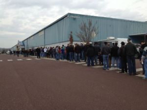 Gun enthusiasts line up to get inside a gun show at the Greater Philadelphia Expo Center. (credit: Pat Loeb)