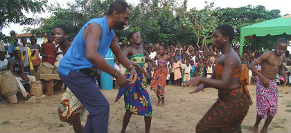 (African Genesis Institute students watch a dance performance in Ghana. Photo provided)