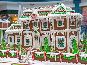 (Laurel Hill Mansion, rendered in gingerbread by Karen Boyd for last year's display.  Photo by Anthony Singoga for Charms of Fairmount Park.)
