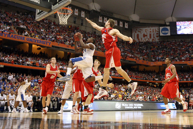 SYRACUSE, NY - MARCH 25:  Eric Bledsoe #24 of the Kentucky Wildcats drives for a shot attempt against the Cornell Big Red during the east regional semifinal of the 2010 NCAA men's basketball tournament at the Carrier Dome on March 25, 2010 in Syracuse, New York.