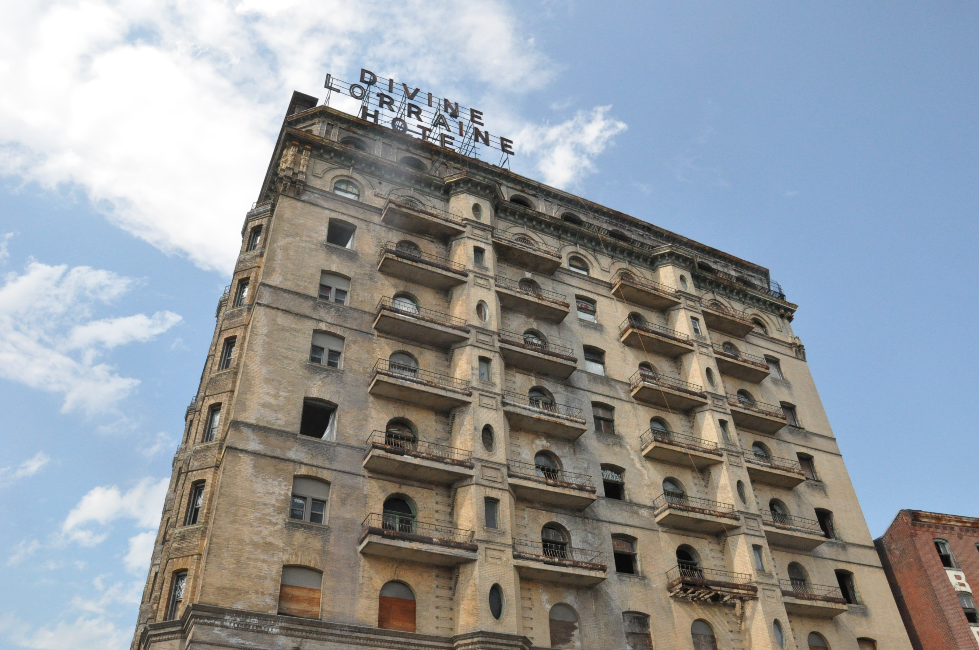 (The former Divine Lorraine Hotel, at Ridge Avenue and North Broad Street.  File photo by KYW's Hadas Kuznits)