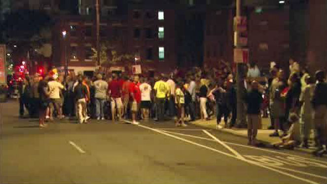 People who were evacuated from the Sheraton Hotel in Center City early Wednesday morning due to smoke in the basement. (Credit: CBS)