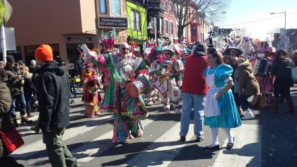 Pete Broomall with the Broomall String Band performs on Main Street in Manayunk. (Credit: Mike Dougherty)
