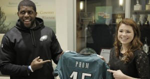 Earlier this offseason, Eagles lineback Emmanuel Acho surprised a lucky fan with a trip to prom. (credit: Chris Barletto/PhiladelphiaEagles)