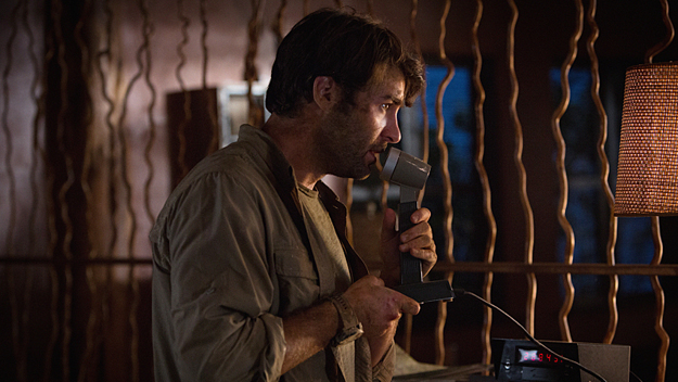 "James Wolk in ""Zoo"" (Photo: Hilary Bronwyn Gayle/CBS)"
