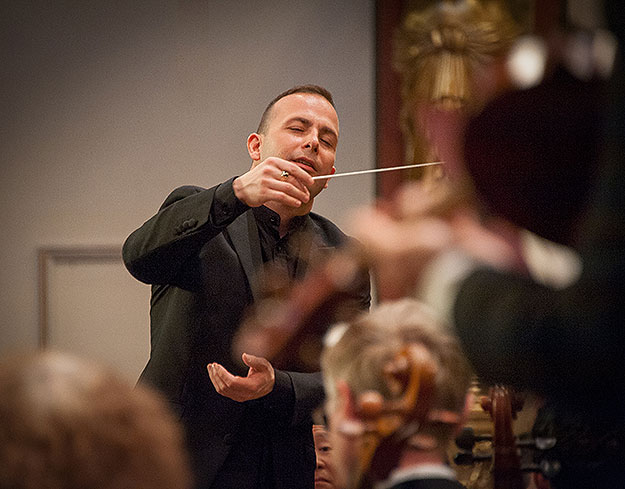 (Yannick Nézet-Séguin conducts the Philadelphia Orchestra in Vienna.  Photo by Jan Regan, provided by Phila. Orchestra)