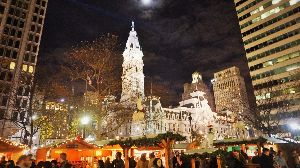 Christmas Village Philadelphia.Thousands Stop By Christmas Village For First Preview