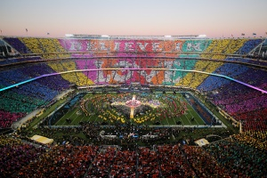 SANTA CLARA, CA - FEBRUARY 07: Coldplay, Beyonce and Bruno Mars performs during the Pepsi Super Bowl 50 Halftime Show at Levi's Stadium on February 7, 2016 in Santa Clara, California. (Photo by Ezra Shaw/Getty Images)