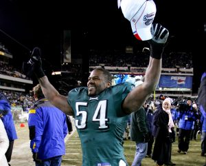 PHILADELPHIA - JANUARY 23: Jeremiah Trotter #54 of the Philadelphia Eagles celebrates winning the NFC Championship with a score of 27-10 over the Atlanta Falcons at Lincoln Financial Field on January 23, 2005 in Philadelphia, Pennsylvannia. (Photo by Harry How/Getty Images)