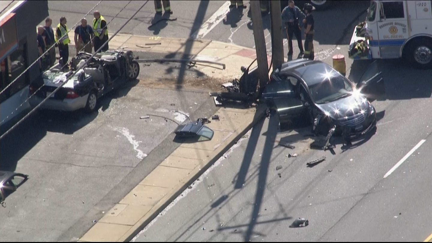 3 Hospitalized After Two-Vehicle Crash In Delaware – CBS Philly