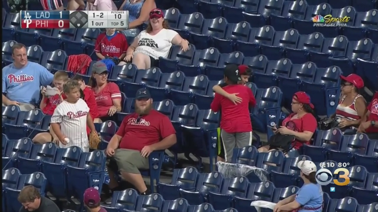 Brotherly Love: 2 Young Phillies Fans Share Heartwarming Moment After Running For Same Foul Ball