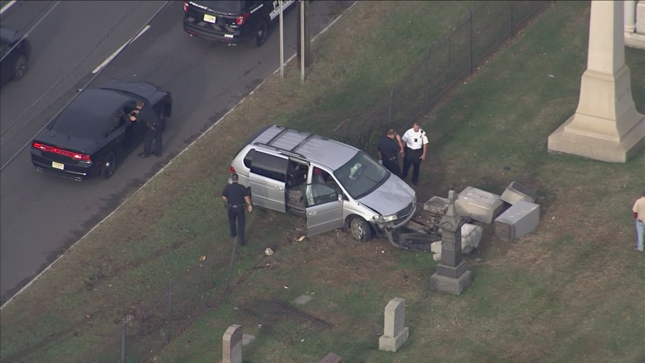 Minivan Crashes Through Fence At Calvary Cemetery In Cherry Hill