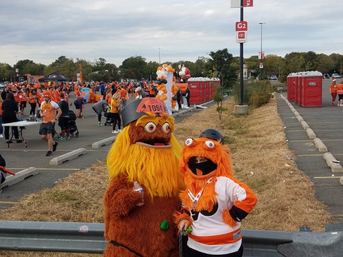 MUST SEE: Flyers Fans Rock Best Gritty Costumes At First-Ever Gritty 5k In South Philadelphia
