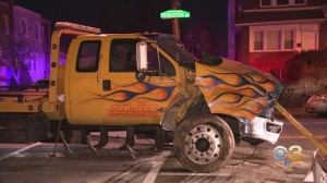 Police: Tow Truck Driver Flees After Crashing Into 3 Parked Cars In Mayfair
