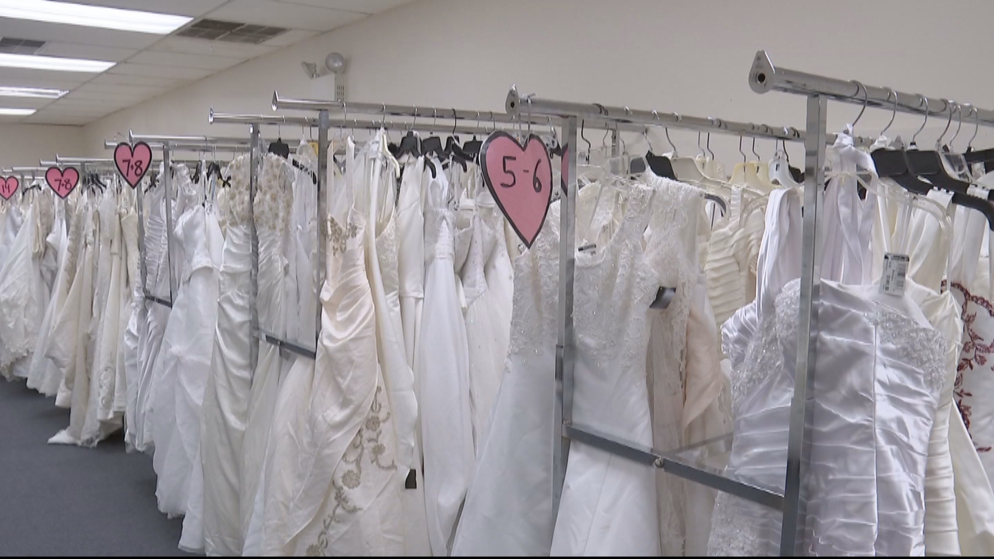 Goodwill Stores Across Delaware Valley Preparing For Annual Wedding Dress Extravaganza Cbs Philly,Short Red Dress For Wedding