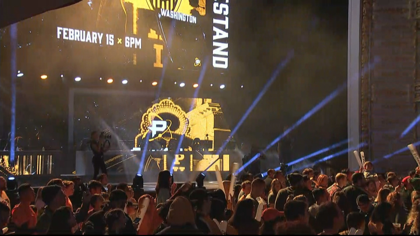 'They Immediately Welcomed The Fusion': Thousands Flock To The Met For Philadelphia's Esports Team's 1st Home Match