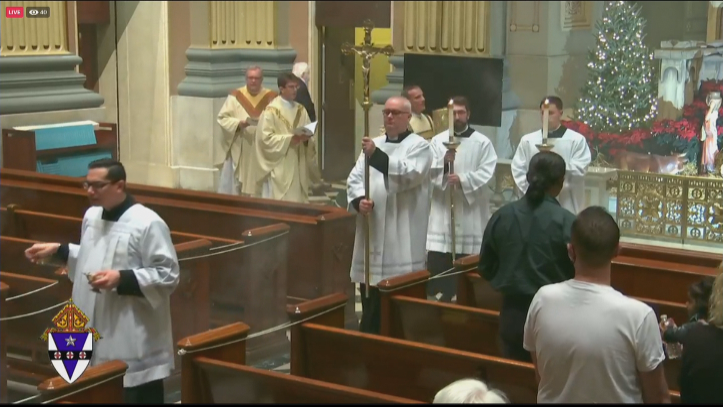 Cathedral Basilica Of Saints Peter & Paul Continue Tradition Of Midnight Mass Christmas Morning - CBS Philly