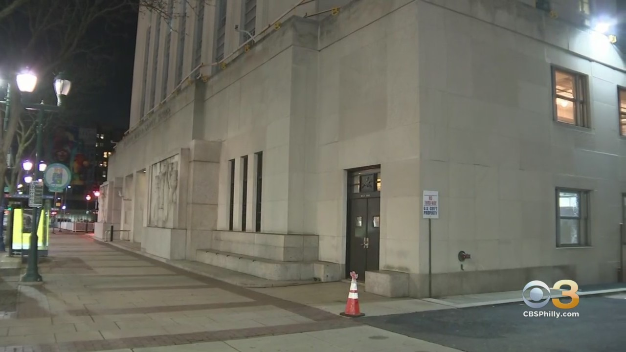 Police 7 Arrested After Large Group Vandalizes Federal Buildings In Center City On New Year S Eve Devices Found Cbs Philly