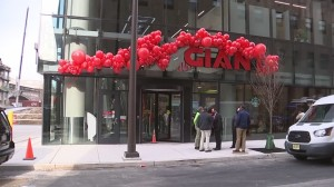 Giant Opens New Store In Logan Square, Features Food Hall And Outdoor Terrace