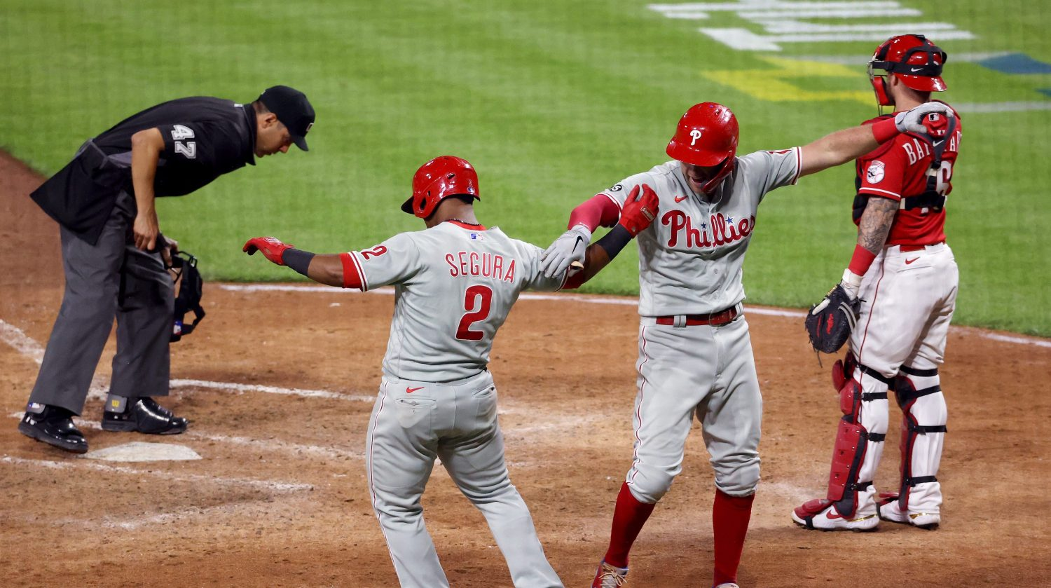 Phillies Explode For 17 Runs On 7 Homers In Rout Of Reds